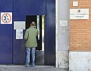 L'ingresso dell'ala femminile del carcere di Rebibbia (Ansa)