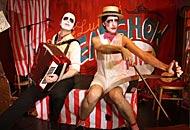 �Velvet Cabaret� dallo stile Lizaai demenziali, esilaranti Greg e Lillo