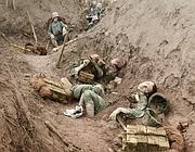 Una delle immagini nella mostra «Guerra a colori». Le foto sono colorate a mano