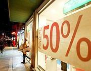 Molti consumatori attendono i ribassi più forti per fare acquisti