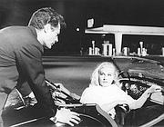 Marcello Mastroianni in una scena de «La dolce vita»