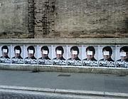 Manifesti abusivi in via Nazionale: il protagonista (con la faccia coperta) è Massimo Pineschi, che appoggia la Bonino