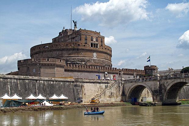Risultati immagini per fiume tevere roma
