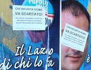 Le locandine contro chi sporca affisse sui manifesti abusivi dai comitati cittadini