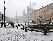 La nevicata in piazza Navona (foto Ansa)