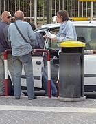 Discussione tra tassista e clienti a Ciampino (Jpeg)