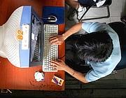 Dipendenza da internet: al Gemelli c'è un ambulatorio che la cura (foto Ap)