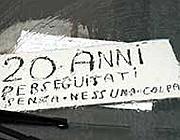 Uno dei biglietti trovati sul cruscotto dell'auto di Vanacore (Ansa)
