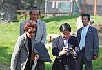 Principe paparazzo - Sua  Altezza Imperiale il Principe Ereditario del Giappone Naruhito in visita turistica sull'Appia Antica, tappa che si è concesso dopo il colloquio ufficiale con il presidente della Repubblica italiana Giorgio Napolitano (Jpeg)