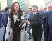Il sindaco di Roma Gianni Alemanno con Isabella Rauti (Ansa)