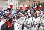 Fanfara a cavallo - Attesa per il concerto, domenica 21 marzo della fanfara del 4° Reggimento Carabinieri a cavallo. Dalle 10.30 i militari dell'Arma suoneranno sulla terrazza del Pincio a Villa Borghese. Ma prima di esibirsi per il concerto la Fanfara a Cavallo sfilerà a Villa Borghese. Inquadrata nel Gruppo Squadroni del 4° Reggimento Carabinieri a Cavallo, con i suoi 27 elementi la Fanfara è il più antico complesso bandistico dell'Arma dei Carabinieri