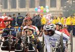 L'altra maratona - C'è un'altra grande e bellissima maratona a Roma, domenica 21 marzo, oltre a quella che - a piedi - hanno corso 15 mila atleti e sportivi. E' la maratona degli atleti disabili. Sono 80 i partecipanti con diverse disabilità che si sono sfidati,  suddivisi in 10 categorie, tra le quali tre di «handbike», la bicicletta a tre ruote che si pedala a mano.