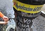 Difesa dall'Onu - Si celebra lunedì 22 marzo la Giornata mondiale dell'Acqua indetta dall'Onu.   «Acqua pulita per un mondo sano» è lo slogan dell'edizione 2010. «Muoiono più persone a causa dell'acqua non sicura - afferma nel suo messaggio il segretario generale dell'Onu, Ban Ki-moon - che non a causa di tutte le forme di violenza, inclusa la guerra»: E a Roma si discute del progetto di privatizzare la società che gestisce l'acqua pubblica