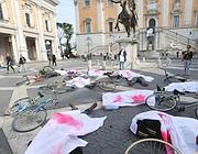 Il flash mob dei ciclisti tenuto a marzo in Campidoglio (Proto)