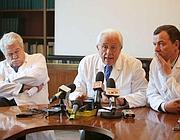 I medici legali:  i dottori Paolo Arbarello, Luigi Cipolloni e Ozrem Carella Prada (Foto Eidon)