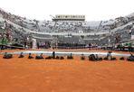 Tennis senza foto - Protesta agli Internazionali di Tennis in corso al Foro Italico (fino all'8 maggio): i fotografi hanno messo le loro macchine sul campo di gioco (Foto Image Sport)