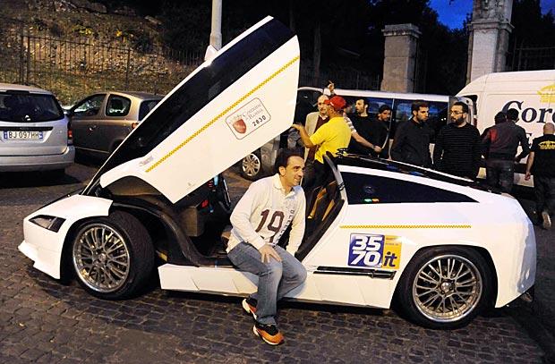 Un taxi «alla moda» - Il nuovo taxi 3570 ha la carrozzeria firmata dallo stilista e designer Giorgetto Giugiaro (Foto Proto)