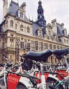 Un parcheggio per biciclette a Parigi