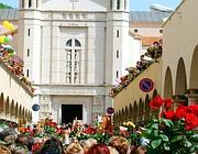 La benedizione delle rose nella basilica di Santa Rita a  Cascia (foto Ansa)