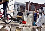 Il Piano Nomadi continua - Tra polemiche e sopralluoghi il Comune di Roma prosegue l'attuazione del Piano Nomadi che prevede lo sgombero di 300 abitanti dal campo di via La Martora per la prossima settimana (Foto Eidon)
