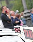 Taxi in un parcheggio a Roma