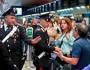 Carabinieri alle biglietterie per reprimere il fenomeno  dei procacciatori di clienti per tassisti abusivi
