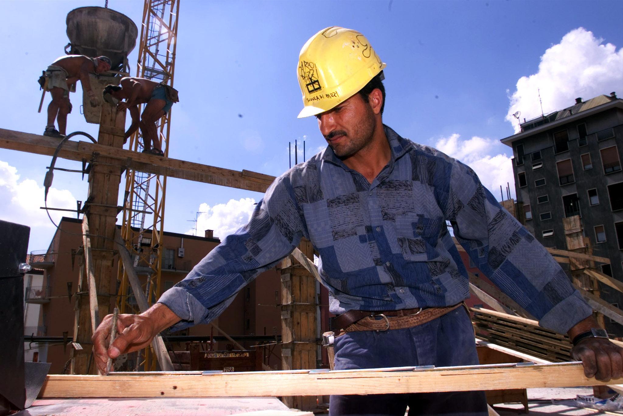 I lavoratori rischiano di perdere il posto (Ansa)