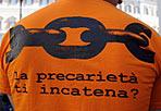 «No» dei precari - Vivace manifestazione a Montecitorio promossa dalla Flc Cgil insieme ai lavoratori precari della scuola pubblica contro i tagli del governo e la riforma Gelmini(Foto Ansa)
