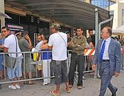 Il  neo questore Tagliente in visita all'Ufficio immigrazione (foro Proto)