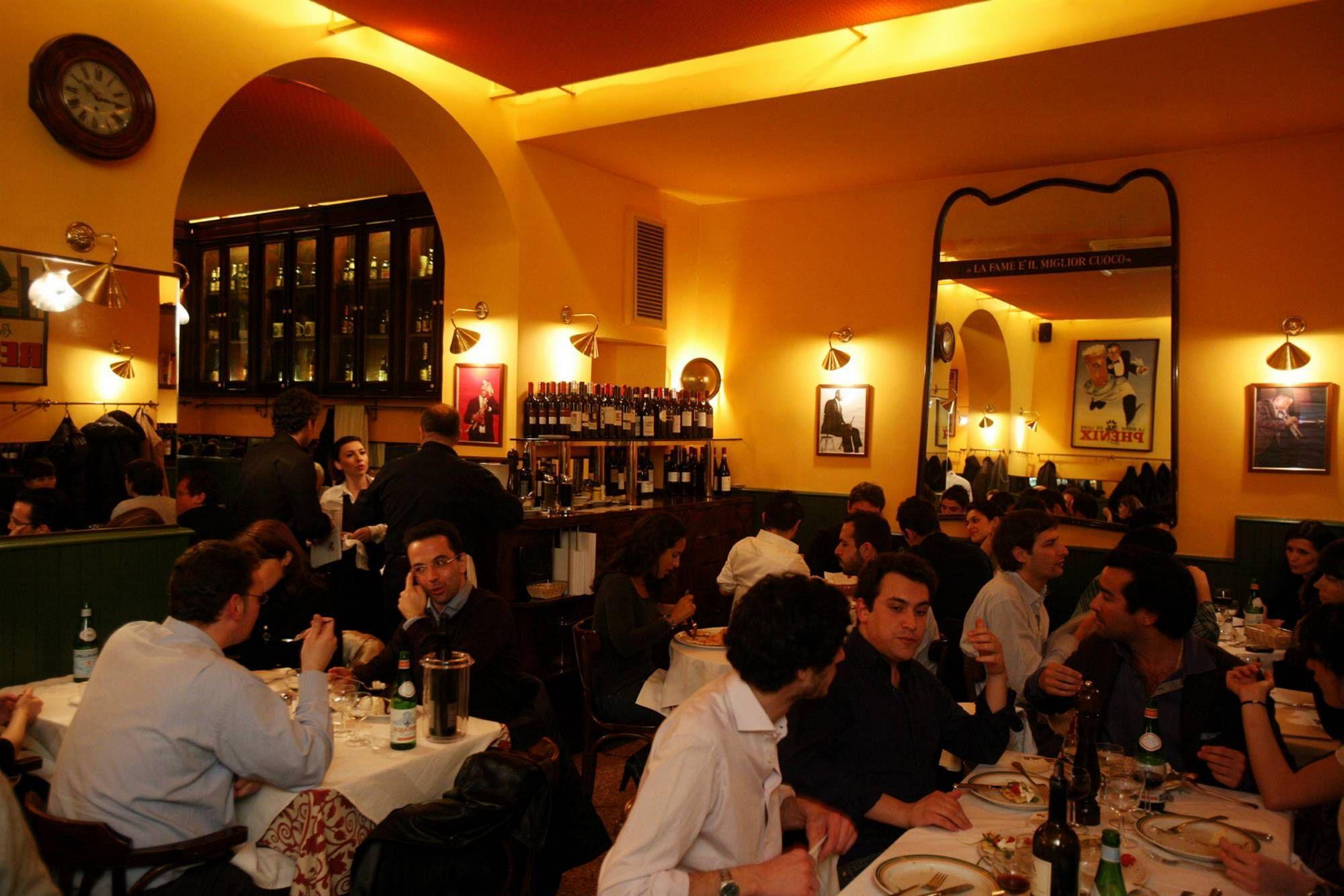 Ferragosto in citt ma al ristorante 10 di presenze al - Ristorante con tavoli all aperto roma ...
