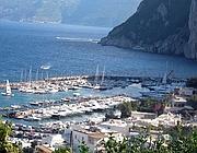 Il porto di Capri (Ansa)