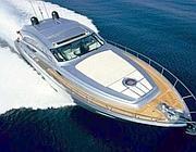 Uno yacht Ferretti simile a quello noleggiato dal calciatore (foto dal web)
