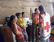 Un censimento della Croce rossa in un campo rom (Montesi)