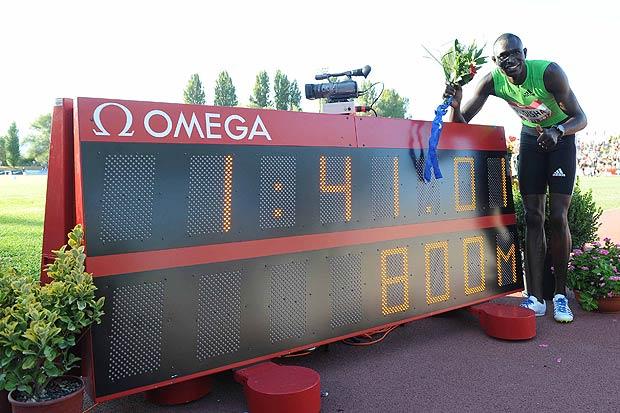 Record a Rieti - «Sono venuto qui a Rieti con l'idea di fare il record del mondo anche se mi sentivo stanco dopo le gare della Diamond League». Lo ha dichiarato il keniano David Lekuta Rudisha, subito dopo aver nuovamente abbassato il record mondiale negli 800 metri al Rieti 2010 Iaaf World Challenge con il tempo di 1'41'01. «Per due centesimi non ho corso sull'1'40 ed in qualche modo sono stato un po' sfortunato - ha aggiunto - ma il mio piano è correre meno di 1'41 e penso di poterlo fare».