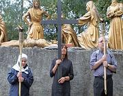La Polverini durante la Via Crucis (Omniroma)