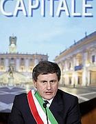 Il sindaco Gianni Alemanno (Ansa)