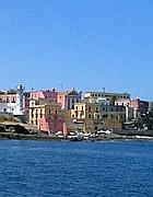 Il porto di Ventotene (foto Zanini)