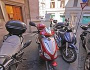 Scooter sui marciapiedi (Jpeg)