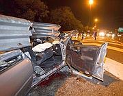 La macchina distrutta nell'incidente (foto Mario Proto)
