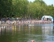 Una manifestazione sportiva sul lago di Martignano
