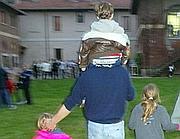 Un padre separato con i suoi figli: rapporto da consolidare nel tempo