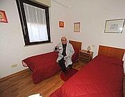 Un padre separato nel residence per genitori in difficoltà a Roma (Proto)