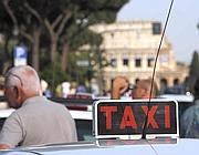 Taxi ai Fori (foto Eidon)