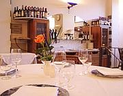 Una tavola imbandita nel centro di Orvieto