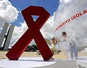 Una campagna contro i preconcetti che isolano i malati di Aids (foto Epa)