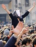 Il presidio davanti a Montecitorio (Reuters)