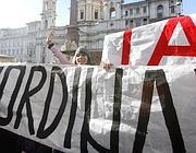 Striscioni del Blocco studentesco  in piazza Navona (BlowUp)