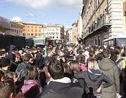 Gli studenti in piazza Navona (BlowUp)