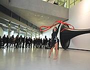 Performance di ginnastica ritmica al Maxxi il 19 dicembre (Ansa)
