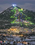 Il cuore verde d 39 italia si fa bianco candido natale umbro for Mercatini umbria oggi